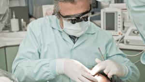 COVID-19 Dentist